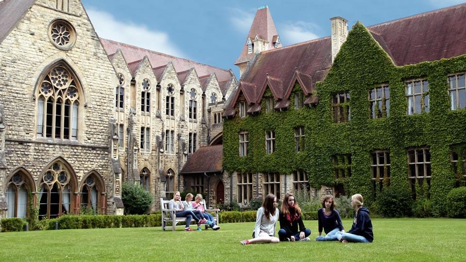 2020 Yurtdışı Yaz Okulları - Grup Programları