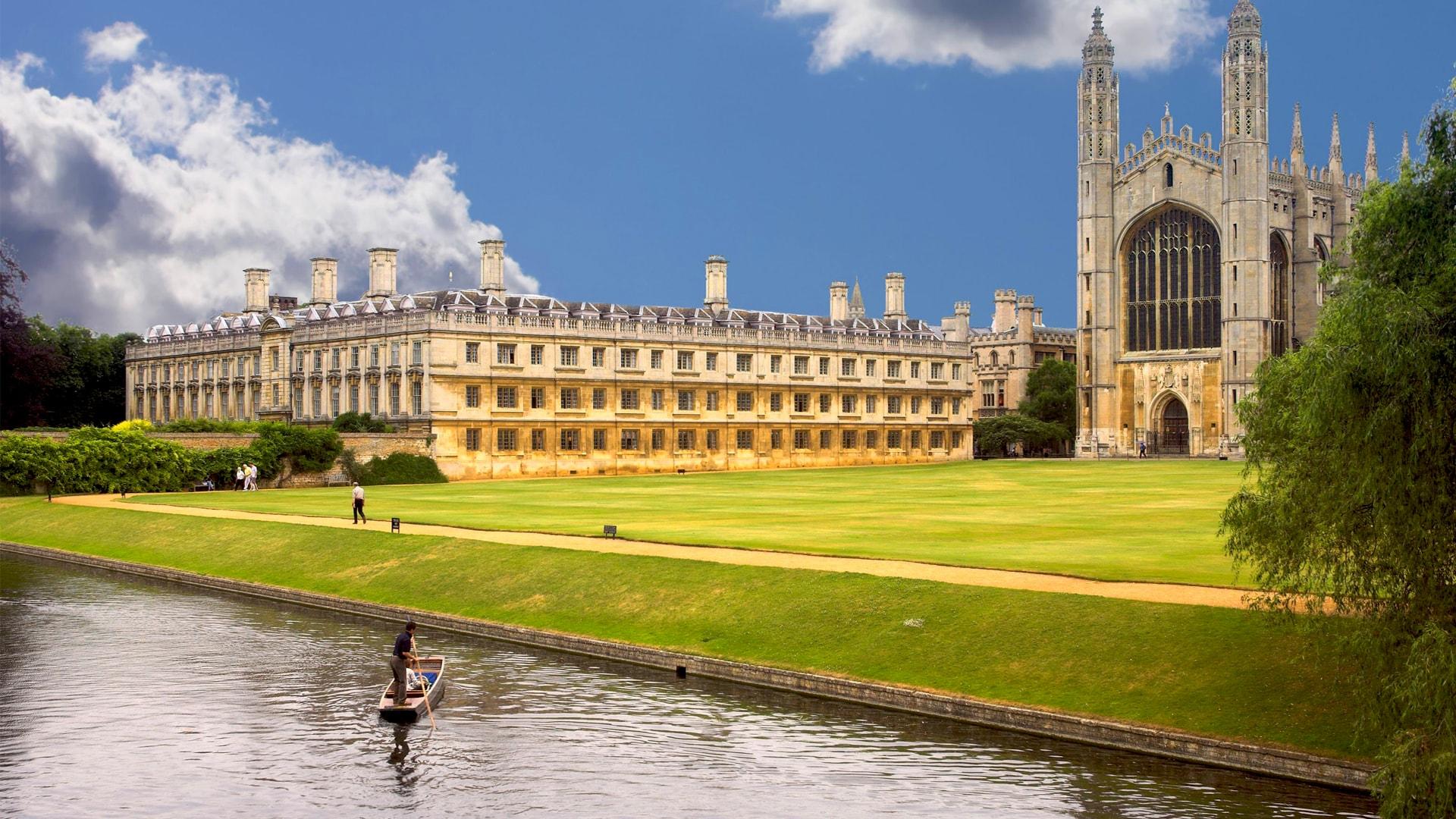 İngiltere'de Üniversite Okumak İçin Geç Değil!
