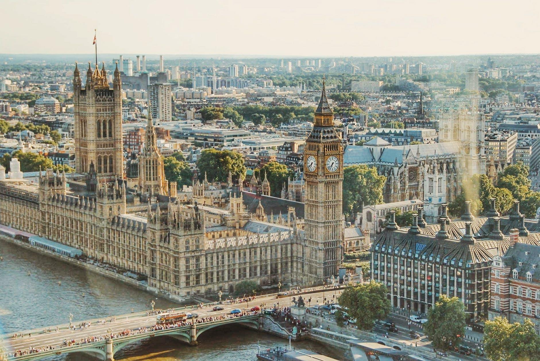EC İngiltere Merkezlerinde İndirimler Devam Ediyor!