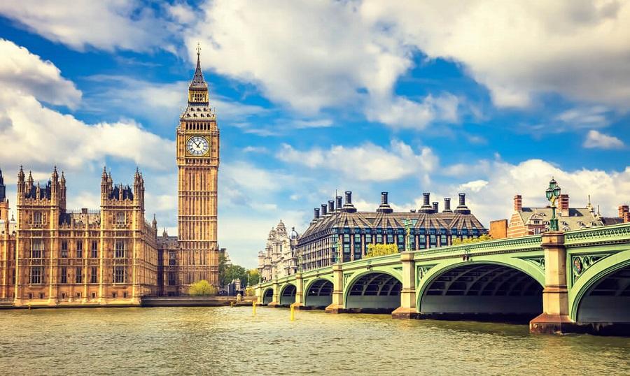 İngiltere Kısıtlamaları Kademeli Olarak Kaldırıyor!