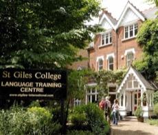 St Giles Londra Highgate